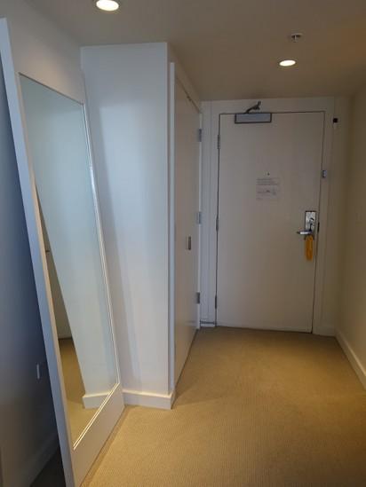 モダンホノルル客室入口