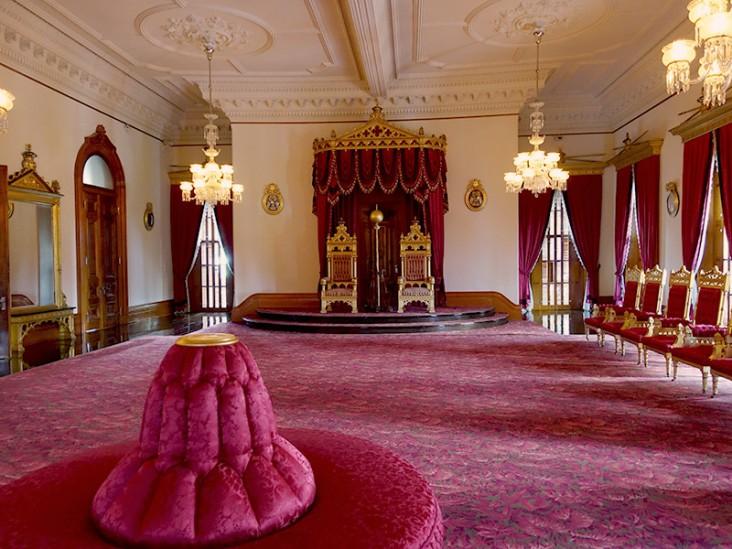 kingsroom