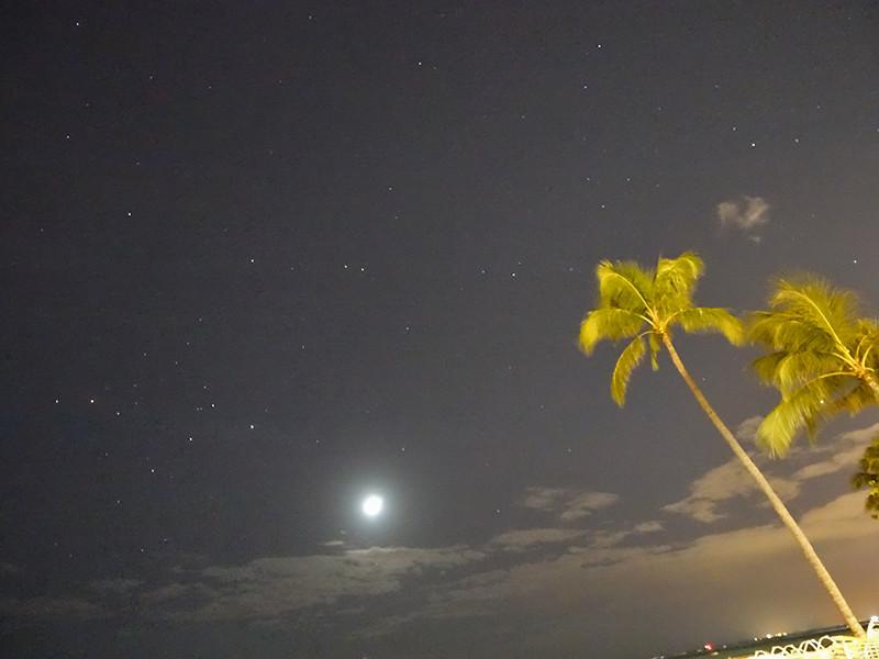夜のワイキキビーチその2