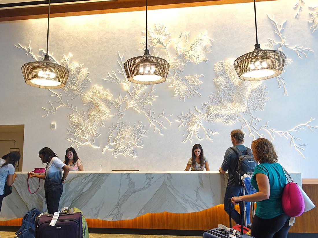 【ハワイホテルレビュー】改装中のパシシフィックビーチホテル(現アロヒラニリゾートホテル)に泊まってみた